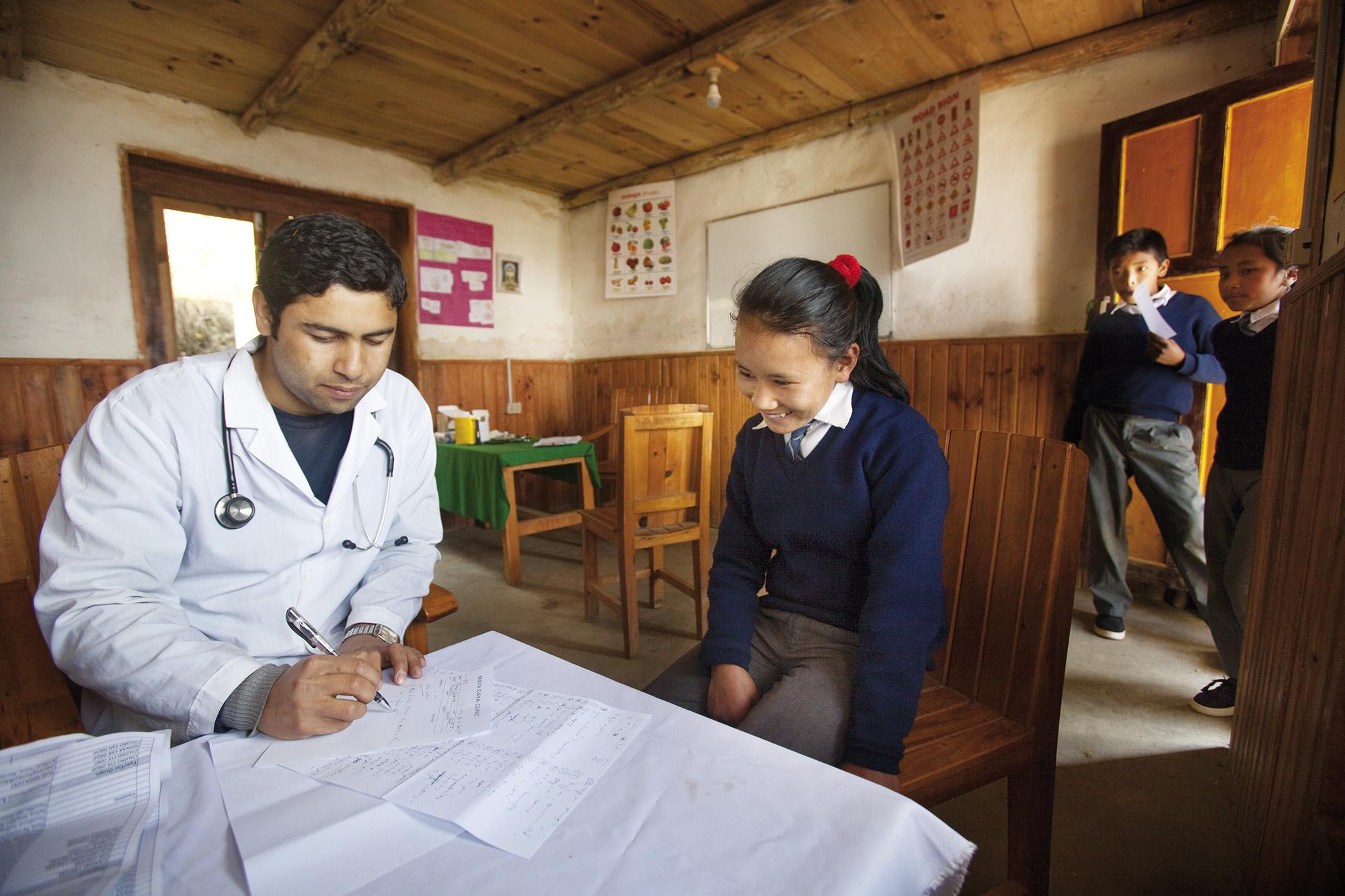 Reportage | Losan Piatti - Fotografo Italia_Nepal 2015 Mount Everest School_Campo Medico