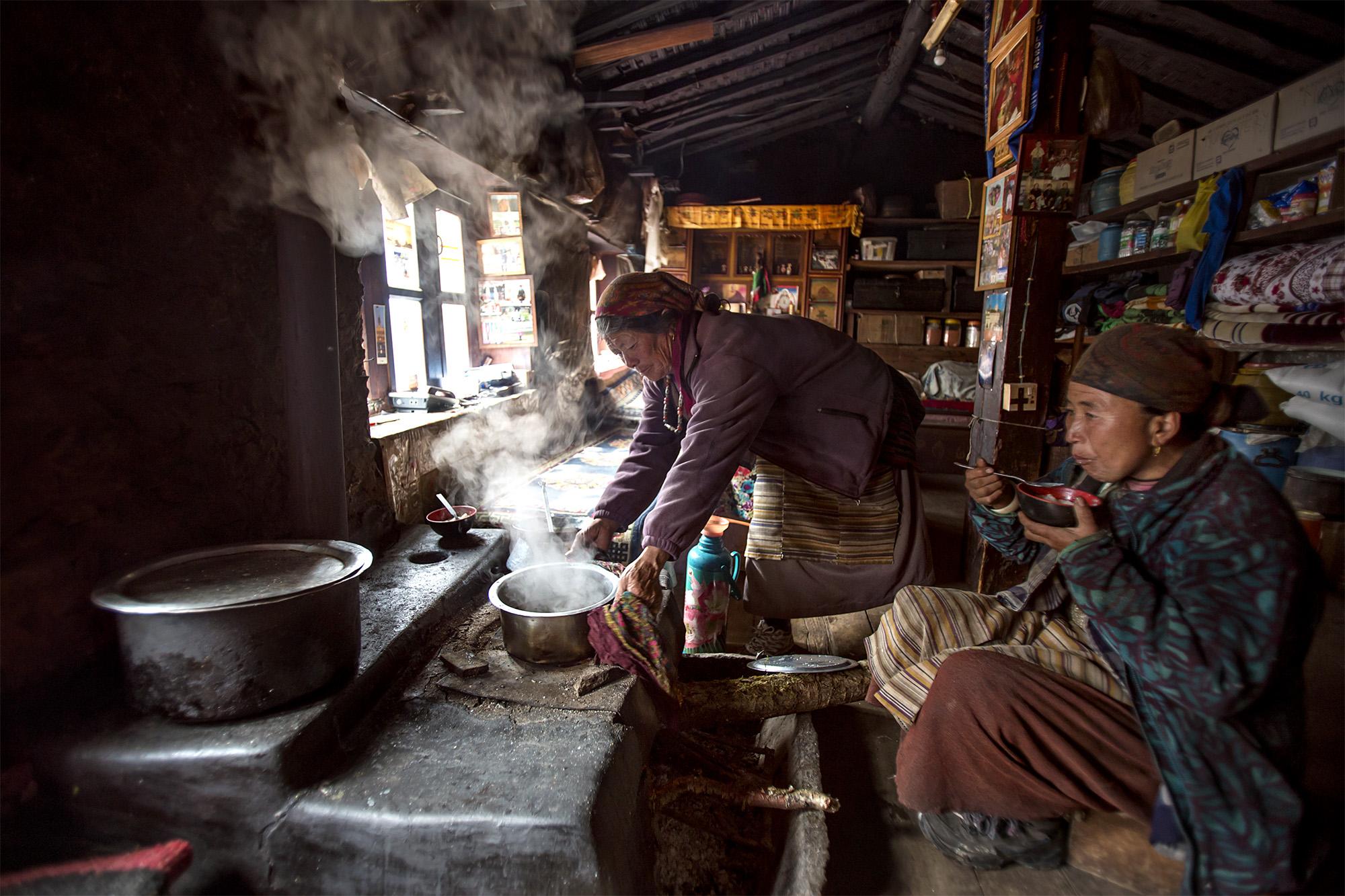 Reportage | Losan Piatti - Fotografo Italia_Nepal 2015_Cucina