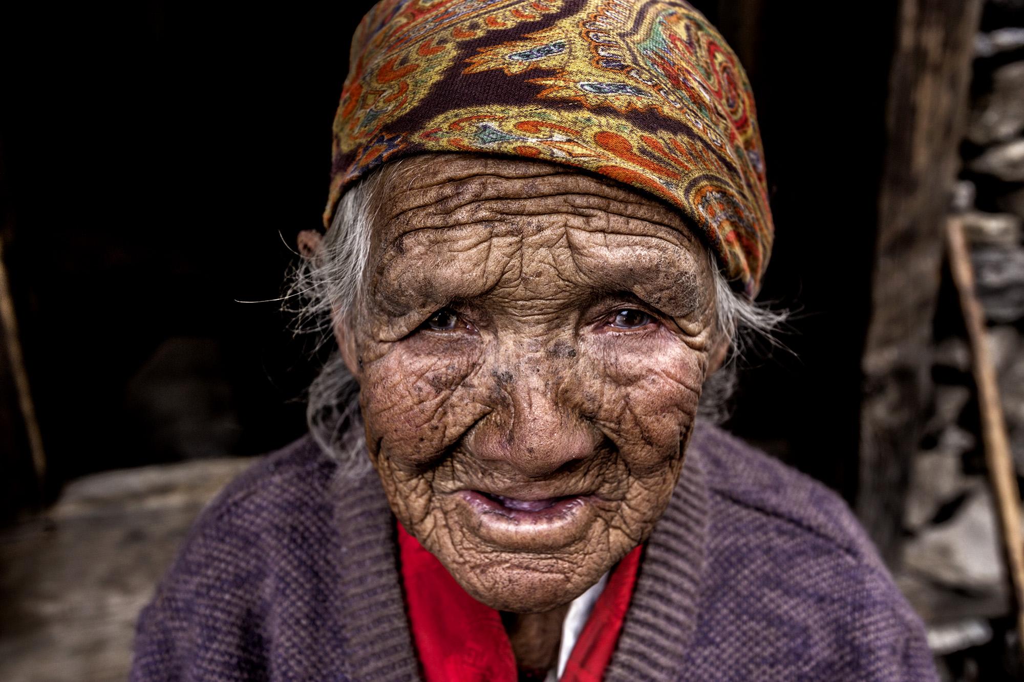 Reportage | Losan Piatti - Fotografo Italia_Nepal 2015_Donna Sherpa
